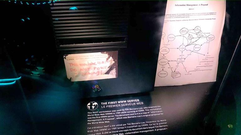 Das Bild zeigt den ersten Web-Server